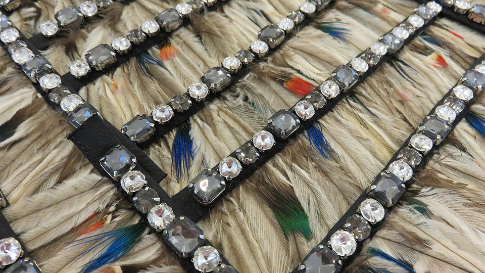 Isa arfen strap embroidery diamate feathers