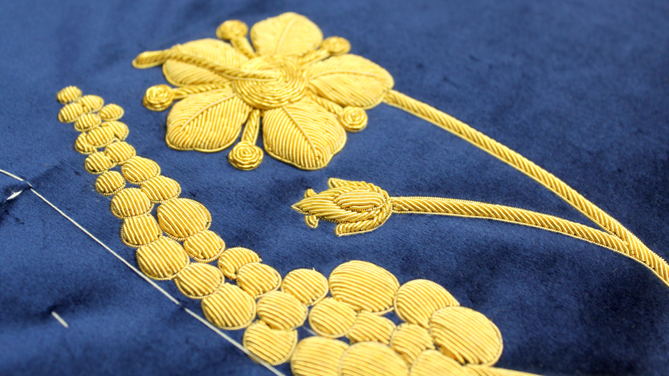 ceremonial robe embroidery