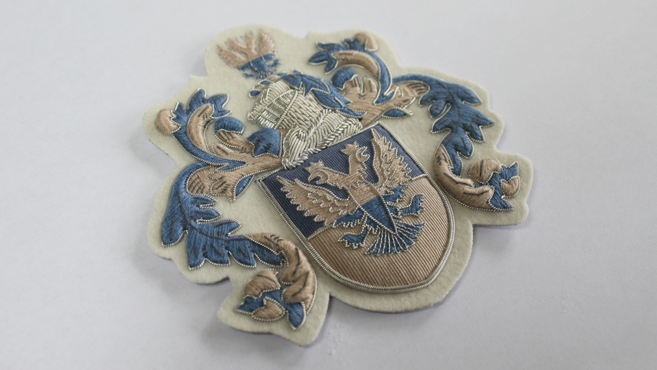 crest embroidery fashion