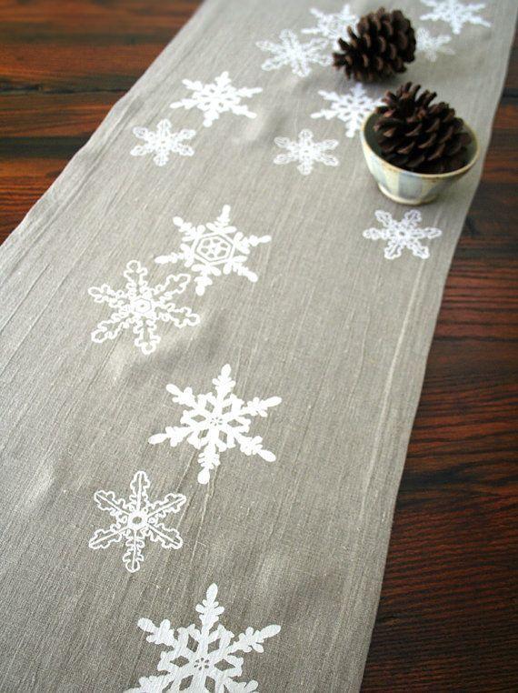 linen snowflake runner]