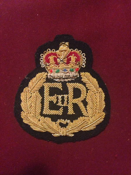 EIIR_Blazer_badge_grande