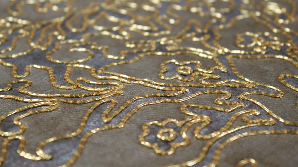 chouched embroidery wall covering